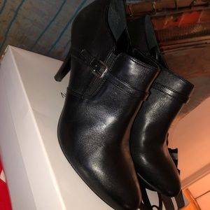 Nine West Black Dressy Ankle Boots size 10.5